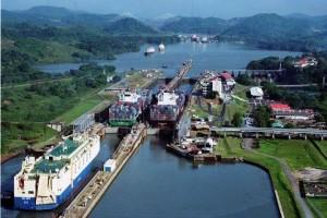 Nuevas esclusas del Canal de Panamá aumentan potencial de crecimiento, según el FMI.