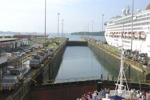 Canal de Panamá entre retos.