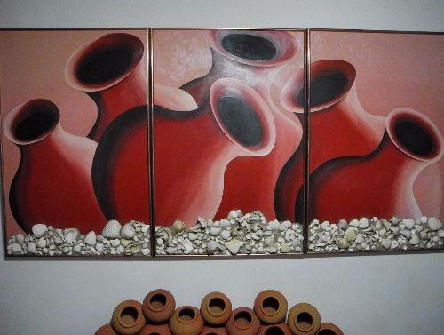 Uno de los cuadros con tinajones que identifican a la artista. (Foto Bayano).