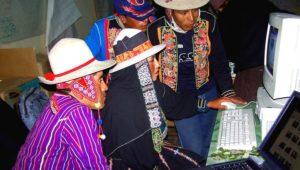 La CEPAL demanda mayor acceso de indígenas a la tecnología.
