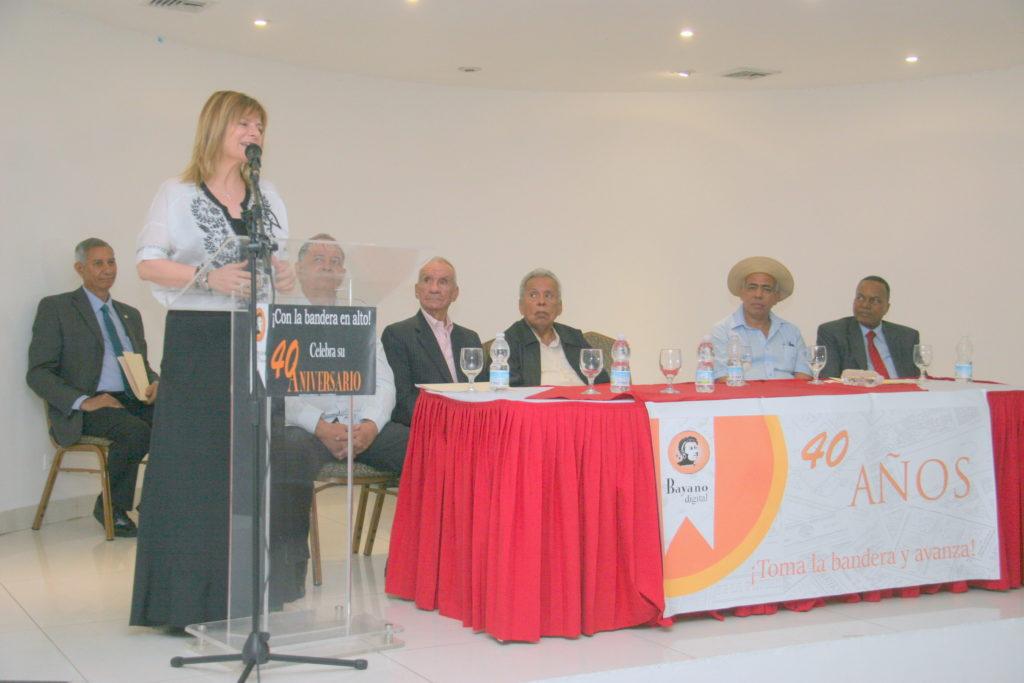 Florencia Saintout, Academica y dirigente política de la izquierda en Argentina.