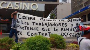 Trabajadores de Crown Casino se lanza a protestar.
