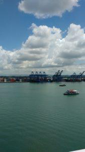 El desarrollo portuario y marítimo contrasta con los altos niveles de pobreza en Colón. (Foto Bayano).
