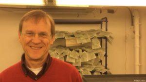 Profesor Reinhard Kunze, investigador en el Instituto de Biología de la Universidad Libre de Berlín.